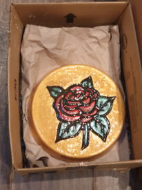Stepping stone, concrete, garden ornament, rose and gold. Stunning.