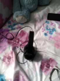 BRAND NEW JVC HEADPHONES WITH EXTRA BASS.