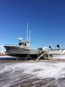 """42"""" Fiberglass fishing boat"""