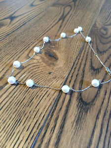White Gold & Pearl Necklace