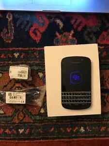 Blackberry Q10 - BELL - Almost new condition