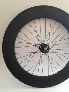 Roue avant carbon 88mm