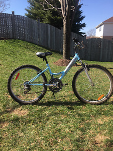 Girl's Diamondback 18-speed Mountain Bike