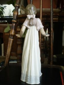 "NAO Lladro Figurine- "" To Light The Way "" #1155 Kitchener / Waterloo Kitchener Area image 2"