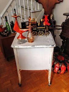 Table d'appoint Vintage Industriel / Lavabo Antique West Island Greater Montréal image 4