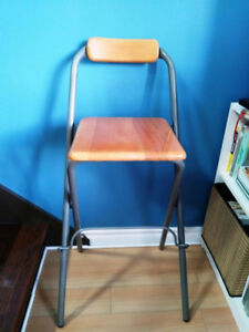 Tabouret pliable / Foldable stool