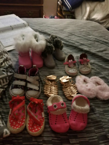 8 pairs of babies 4/5 shoes /boots (girls)