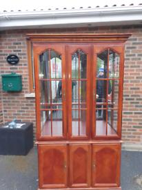 36. 3 door Welsh dresser with cabinet