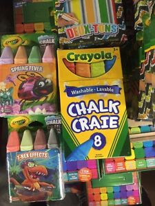 Crayola craie T-Rex et Spring Fever/ Crayola 96 crayons couleur West Island Greater Montréal image 3