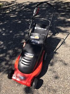 Black & Decker Cordless Electric Lawnmower in Exc Condition