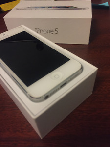 Mint Condition iPhone 5 - unlocked