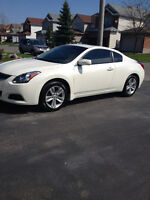 2010 Nissan Altima Coupe (2 door) in Pearl White