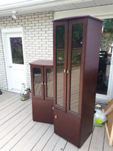 2 display cabinet / storage, 50$ for both