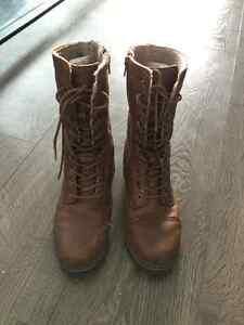 Cougar winter boots - excellent condition Peterborough Peterborough Area image 1