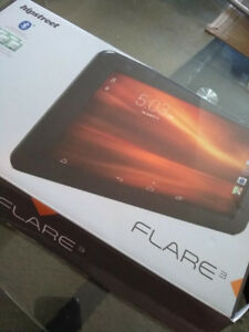 Hip Street Flare 3 Tablet with leather case and keyboard