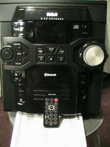 FMstereo5CDChanger/BlueTooth&Remote~0nly WorksWithHeadPhones