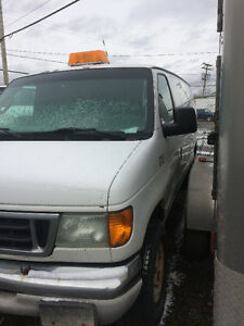 2004 Ford E-350 Fourgonnette, fourgon Saguenay Saguenay-Lac-Saint-Jean image 3