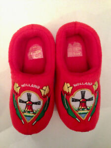 NEW HOLLAND Red CLOG Shaped SLIPPERS Kids Baby Sz  6-9 Toddlers