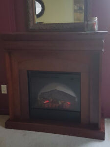 Beautiful Cherry wood Electric Fireplace (Dimplex)