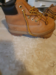Authentic timberlands size 10Y