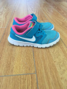 Soulier de course / running shoe enfant 11