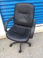 Black leather computer/office desk chair with armrests