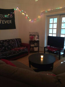 JUNE ROOM SUBLET DOWNTOWN