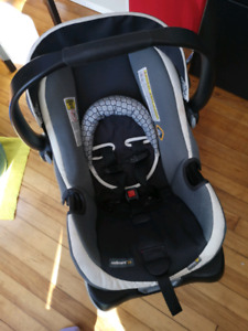 Safety First Onboard 35 carseat with base