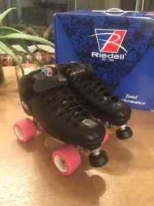 GREAT CONDITION RIEDELL SKATES