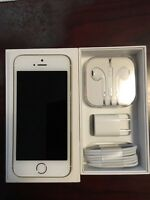 iPhone 5S gold 32GB unlocked /w case