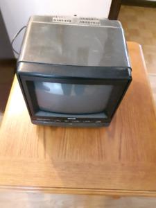 """Télévision couleur 10"""" SEARS pour le système de sécurité"""