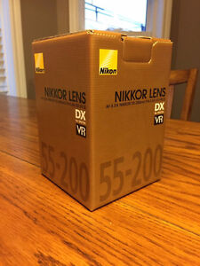 Nikon 55-200mm DX VRII Lens LIKE NEW