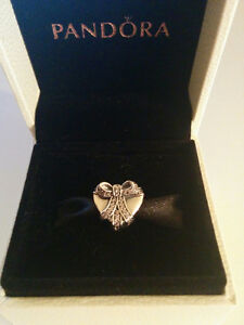 Breloque Authentique Pandora Heart shaped gift
