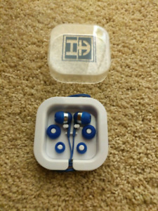 Never used, clean earbuds - best offer ASAP