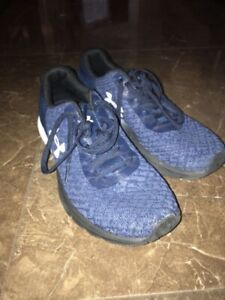 Like New Under armour men's sneakers size 8.5