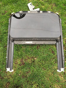 Complete sunroof assembly for 2005 VW Passat