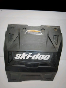 WANTED SKIDOO XS CHASSIS SNOW FLAP