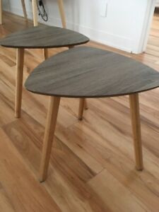 2 petites tables bases