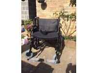 Bariatric heavy duty wheelchair
