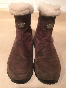 Women's The North Face Waterproof Winter Boots Size 8 London Ontario image 2