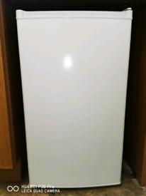Fridge freezer under counter white