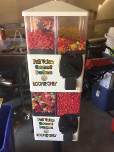 U-Turn 8 bin candy vending machine