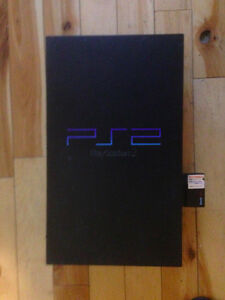 Playstation 2, Two Controllers and Games