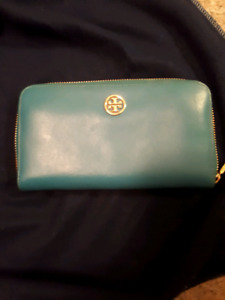Turquoise blue Tory Burch clutch