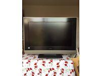 """Hitachi 32"""" LCD HD TV"""