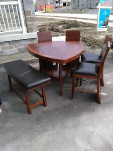 Dining table for sale. House clearance!