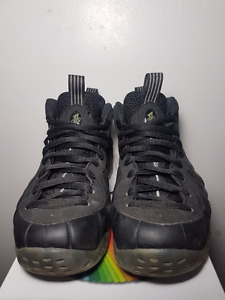 Nike Air Foamposite Stealths size 9
