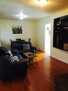 """VERY CLOSE TO UNIVERSITY """"ALL UTILITIES INCLUDED"""" 2 BDRM MAIN"""