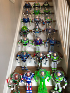 !!!!  HUGE  BUZZ LIGHTYEAR Collection 22 Figures  !!!!!