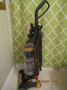 Like new! Eureka Airspeed Bagless 12 Amp Power Vacuum
